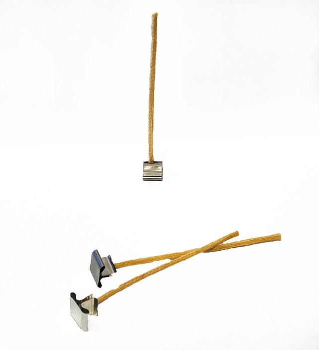 Гніт для свічок вощений 4 мм з металевим тримачем. Висота 10 см