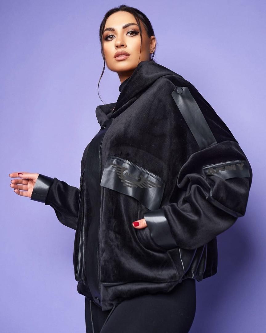 Жіноча велюрова куртка великого розміру.Розміри:46/48,50/52,54/56