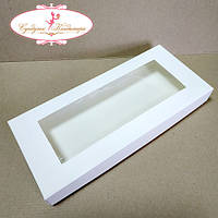 Коробка 28 х12 х3 см с окном Белая