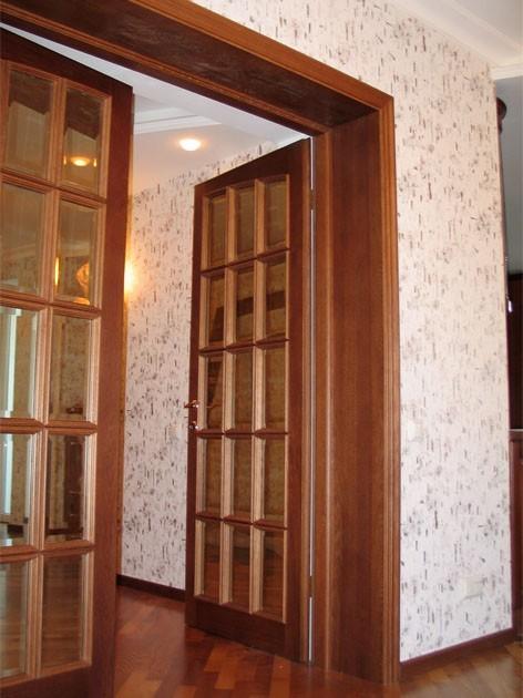 Межкомнатная дверь под стекло