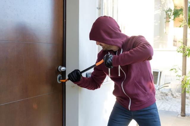 Критерии стойкость к взлому замка входной двери