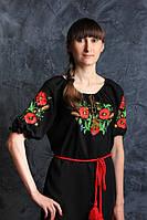 Интересная вышитая женская блуза