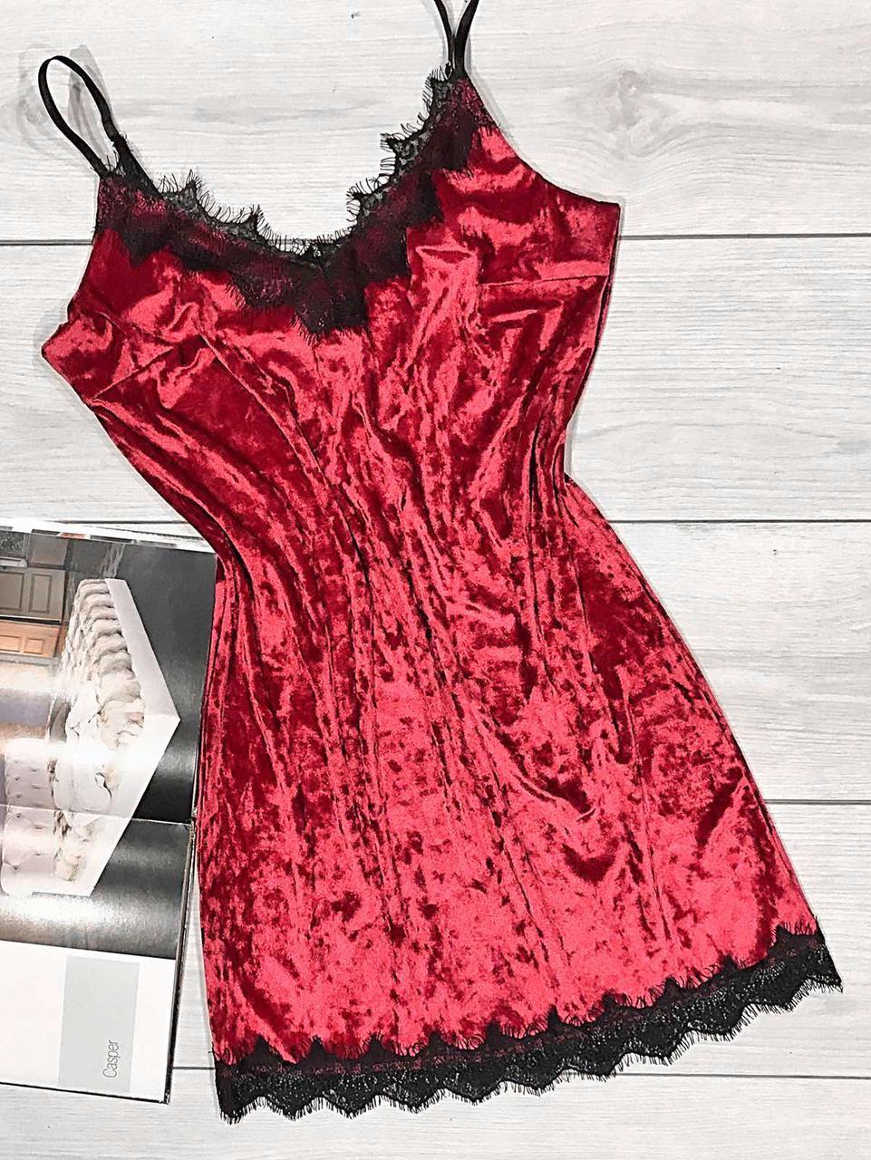 Чорна велюрова сорочка з червоним мереживом, пеньюари жіночі нічні сорочки.