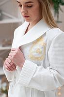 Белый вафельный халат длинный с воротником на запах женский для гостиниц и дома