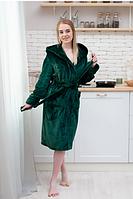 Женский халат махровый зеленый длинный с капюшоном на запах