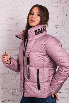Стильная женская куртка весна 2021