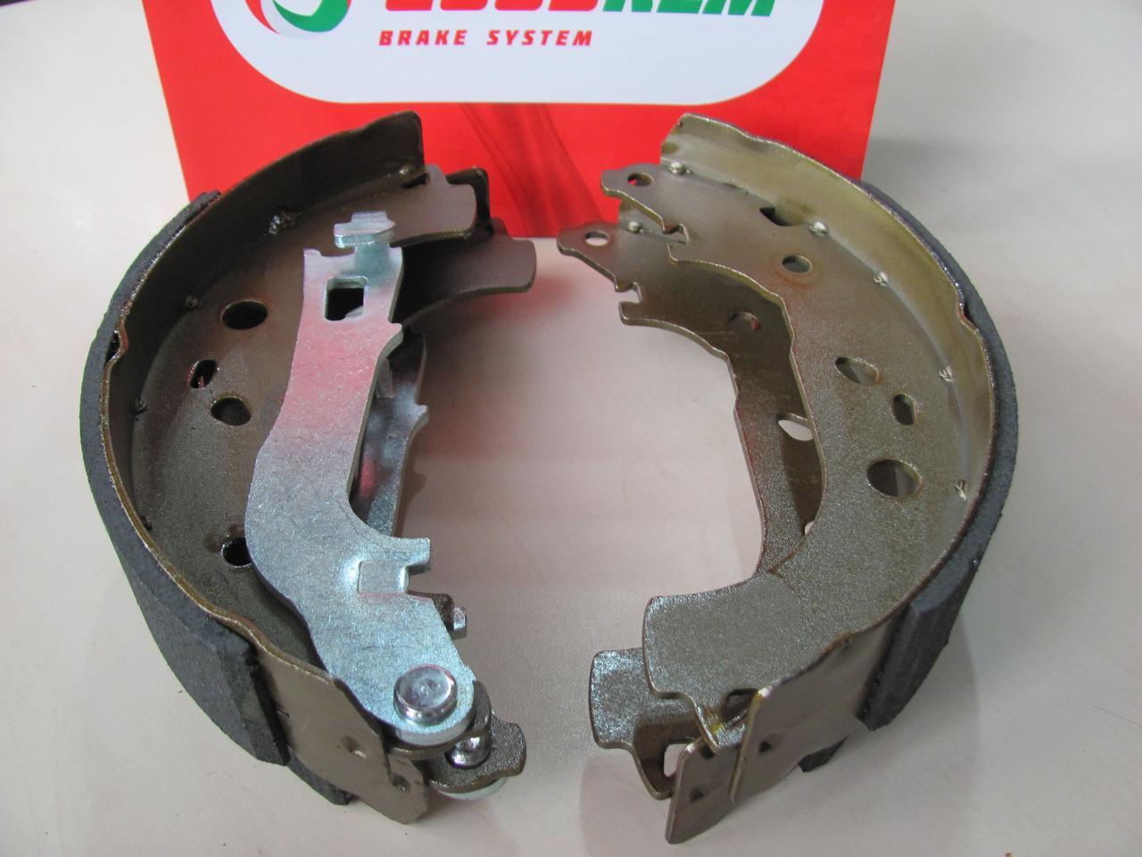 Тормозные колодки задние барабанные Fiat Doblo 05-09   40mm   GOODREM