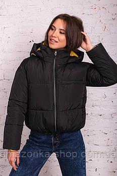Стильная женская куртка с цветной подкладкой весна 2021