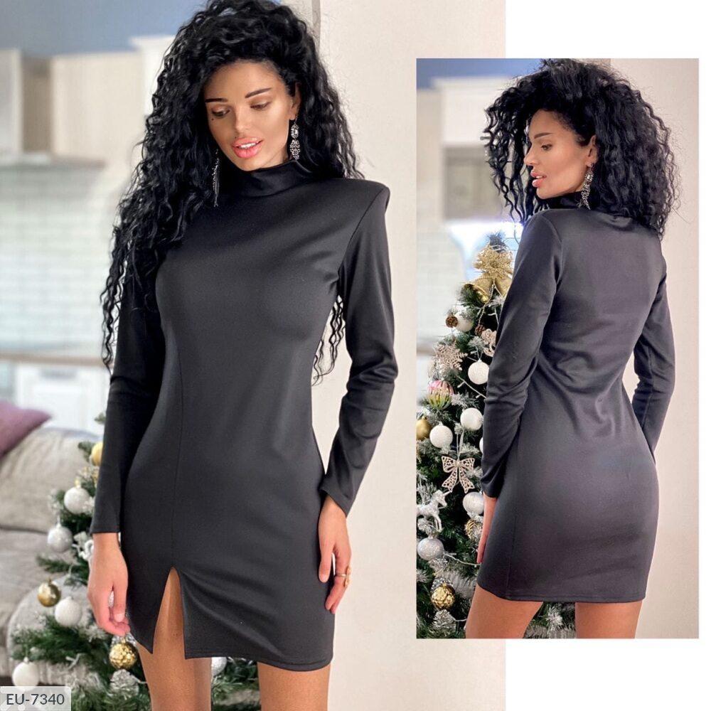 Чёрное платье на плечиках