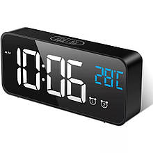 Настольные электронные часы с термометром.