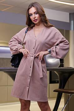 Прямое замшевое платье под пояс с пышными рукавами цвет: персиковый