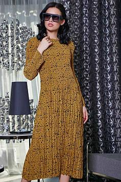 Свободное платье миди с длинным рукавом из горчичного креп-шифона в крупный и мелкий горох