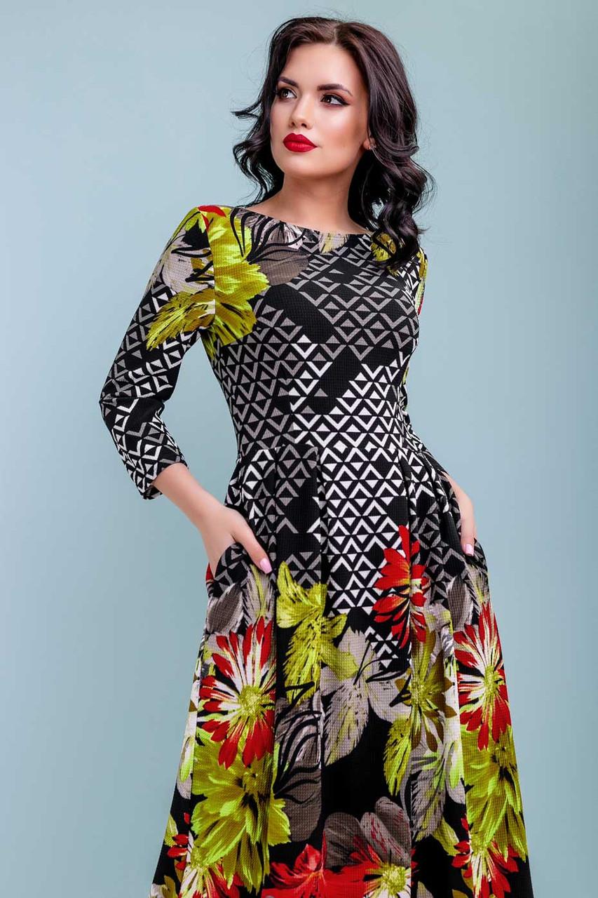 Романтичное весеннее платье миди с ярким цветочным принтом | трикотаж темно-синий с красным рисунком