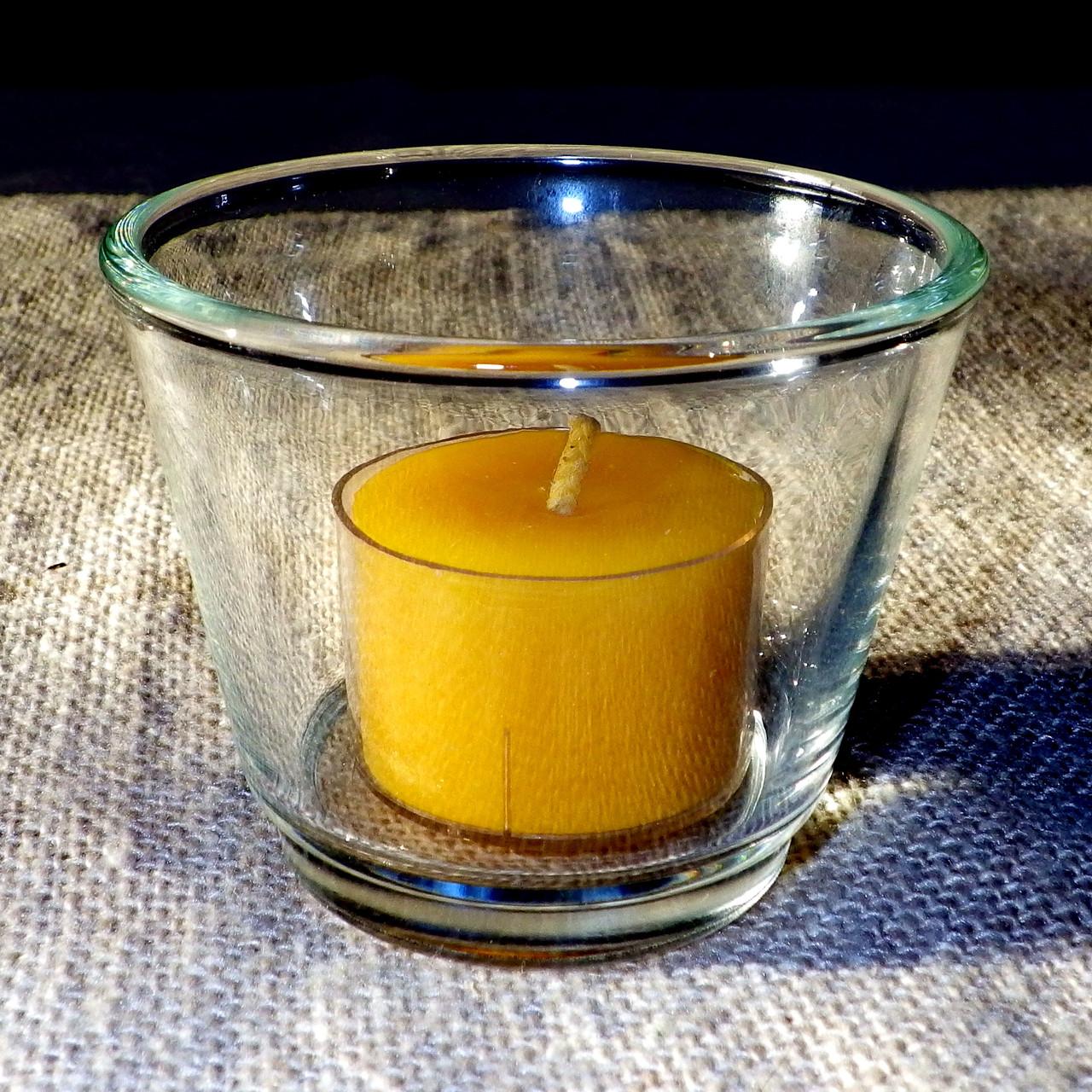 Круглый стеклянный подсвечник в комплекте с прозрачной восковой чайной свечой