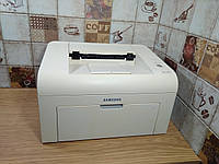 Лазерный принтер Samsung ML-1615 в рабочем состоянии
