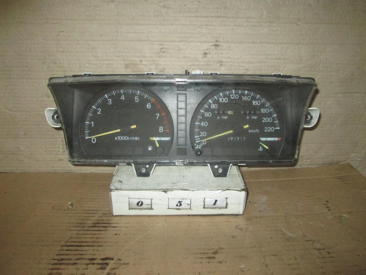 №51 Б/у Панель приладів/спідометр MB521495 для Mitsubishi Galant 1987-1993