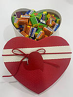 Жвачки Love is... в подарочной упаковке 100 шт красно-белая коробочка