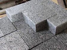 Бруківка з Покостівського граніту