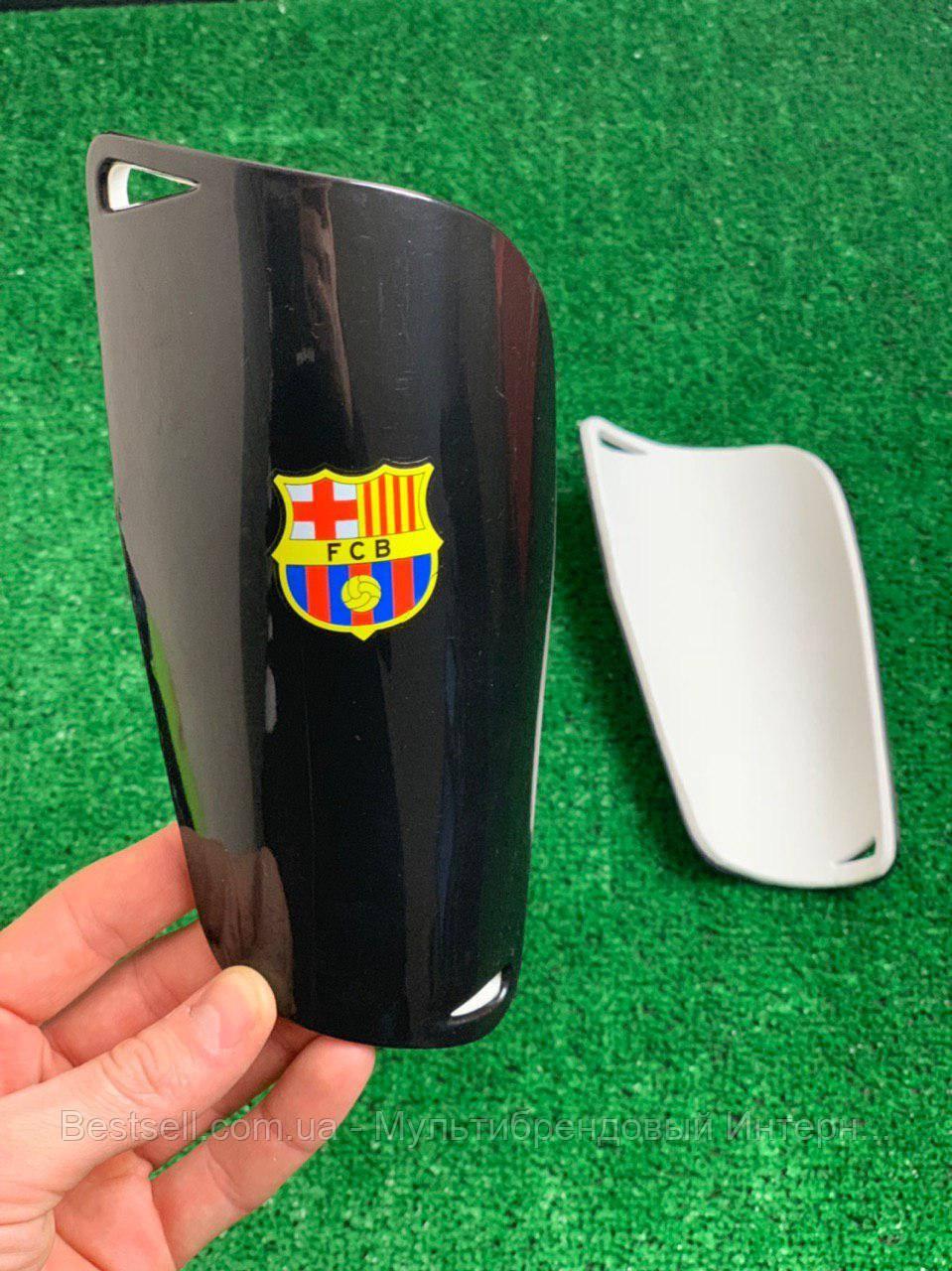 Щитки для футболу Барселона чорні 1093