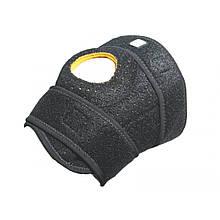Наколенник спортивный LiveUp Knee Support S/M (LS5755)