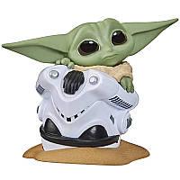 Фигурка Hasbro Star Wars The Bounty Collection Mandalorian малыш Йода в шлеме 5см