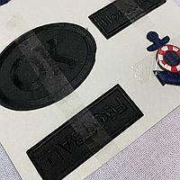 Термоаплікація чорна емблема з написами