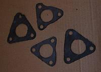 Прокладка патрубка системы охлаждения двигателя треугольная двигателя1Д6, 3Д6, Д12, 1Д12, В46-2, В-46-4, В-55.