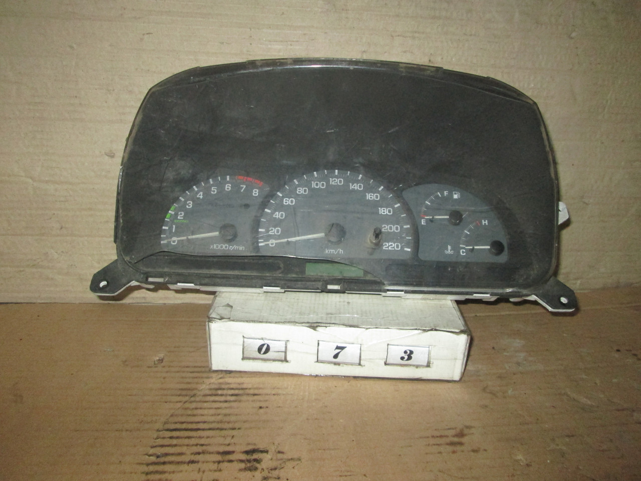 №73 Б/у Панель приладів/спідометр 96427156 для Chevrolet Tacuma 2000-2004