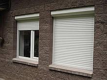 Автоматические защитные ролеты на окна 1200х1950, белого цвета (RAL9016).