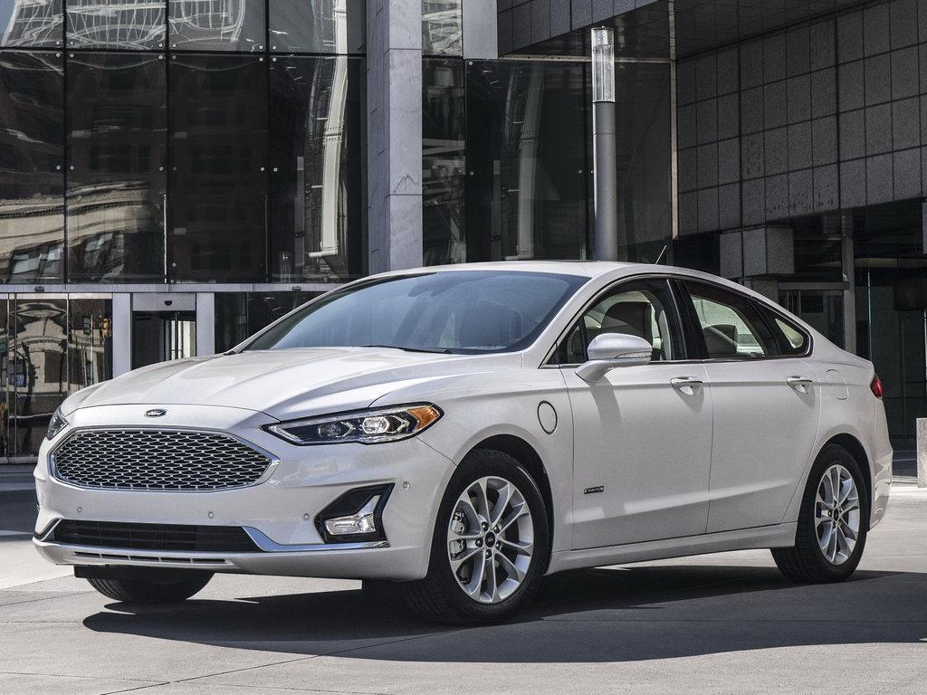 Ford Fusion USA - замена галогенных линз на светодиодные Bi-LED линзы