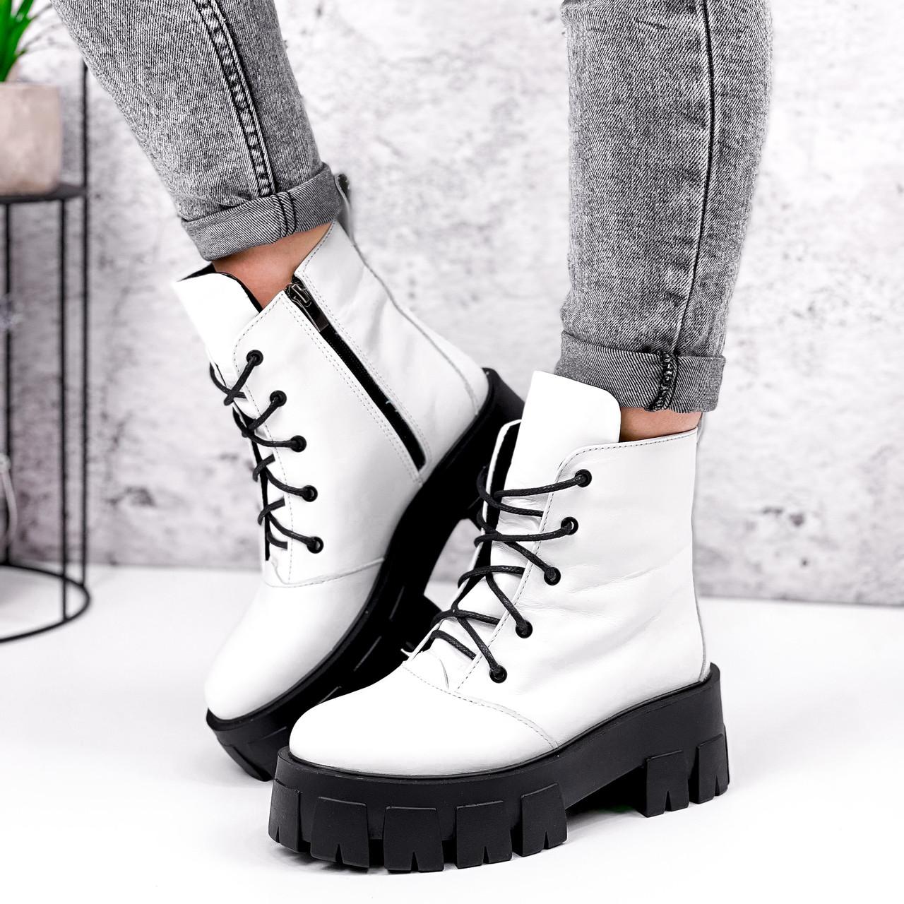 Ботинки женски Dilys белый с черным 2940