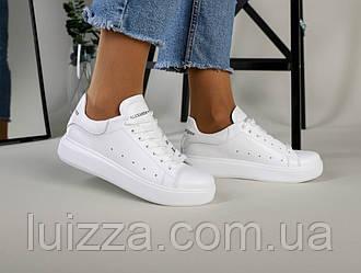 Жіночі білі кросівки 36