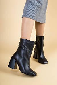 Сапоги женские кожаные черные на каблуке демисезонные
