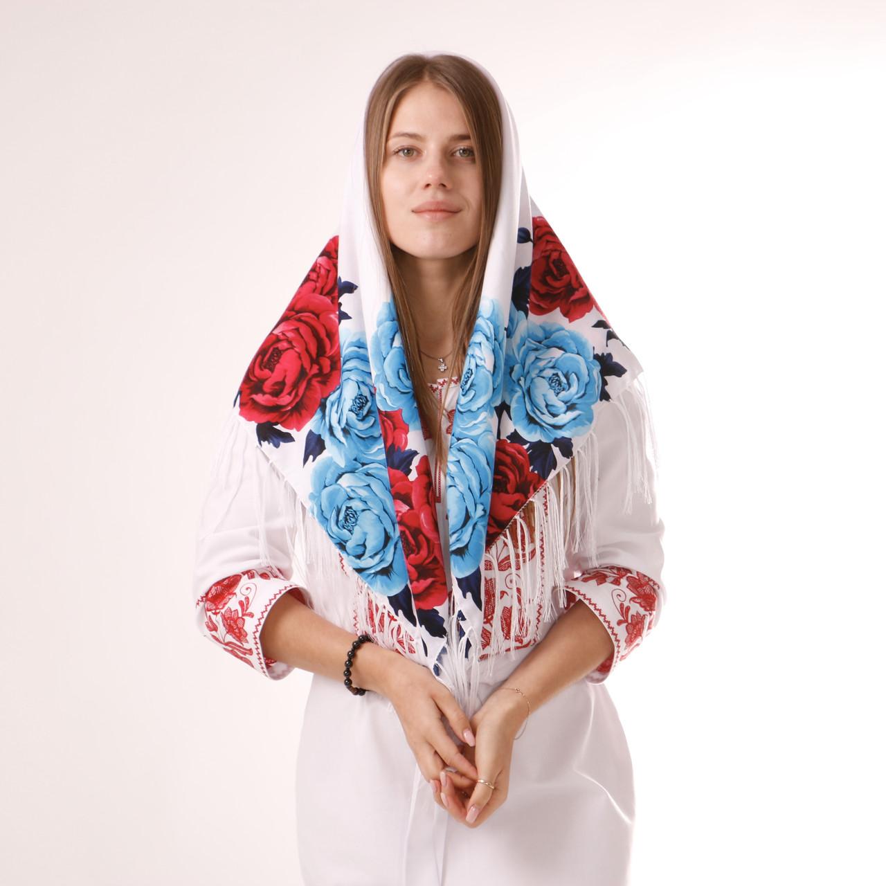 Хустка біла вовняна з квітами  т100/202
