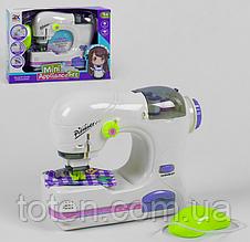 Швейная машина игровая  22см-шьет, управление педалью, свет  6994B