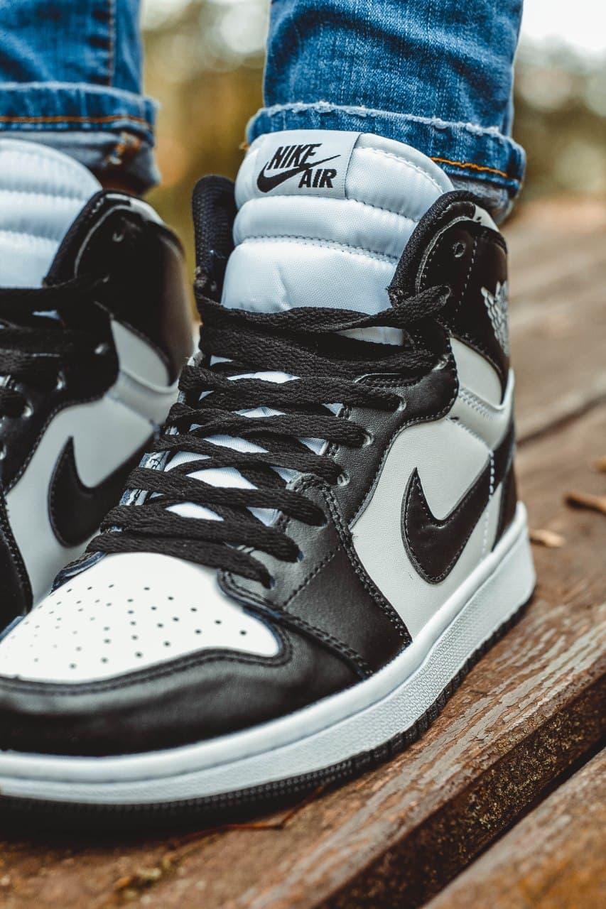 Женские кроссовки Nike Air Jordan Retro1 Black White