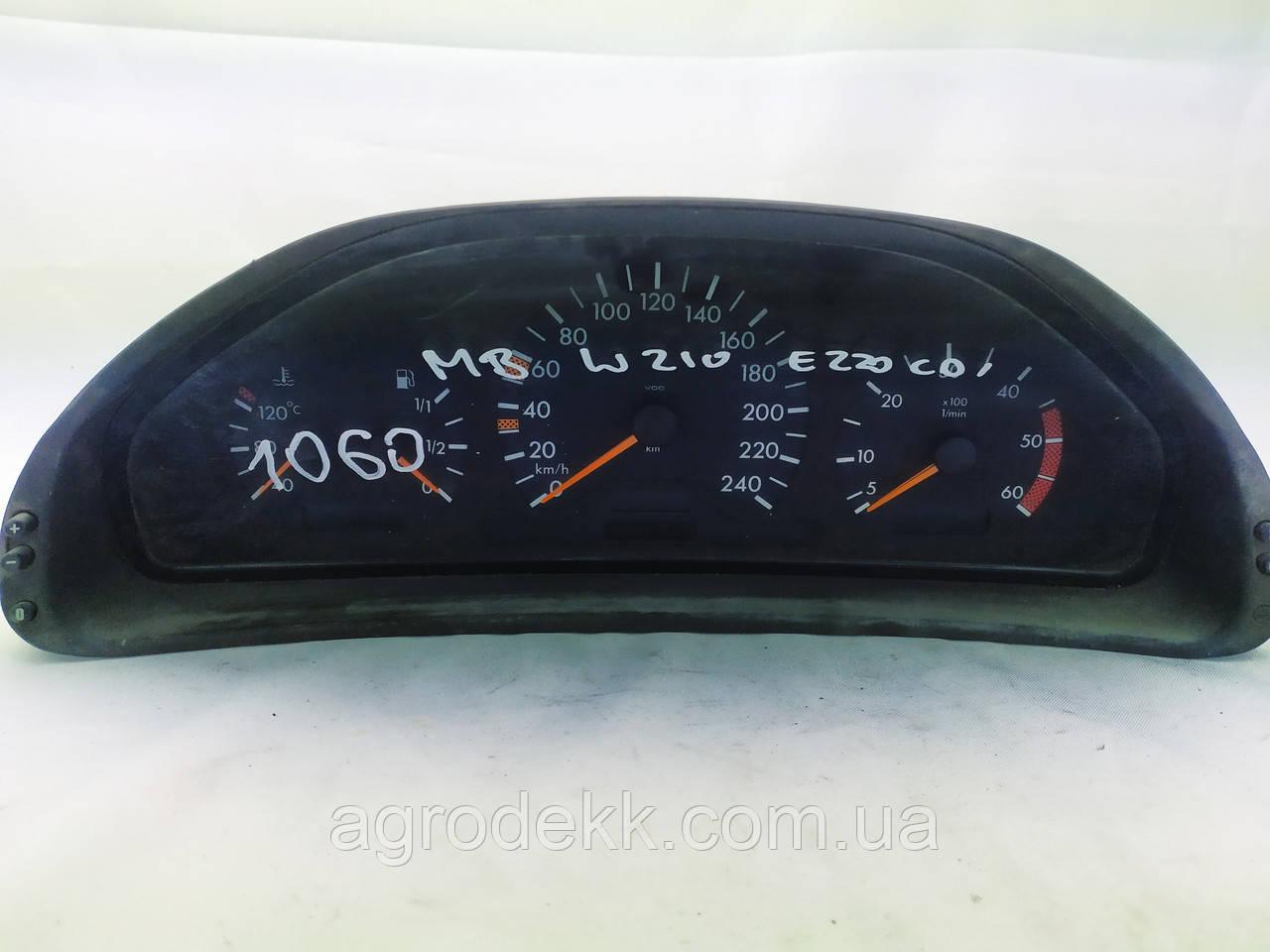 Щиток панель приборов Mercedes-Benz  E-CLASS W210 (1995-2003)  88311265