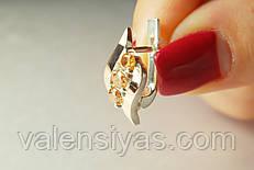 Серебряные серьги с фианитами и золотыми пластинами