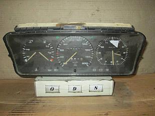 №98 Б/у Панель приладів/спідометр 830  701919033B для Transporter T4 Passat B3 1990-2003