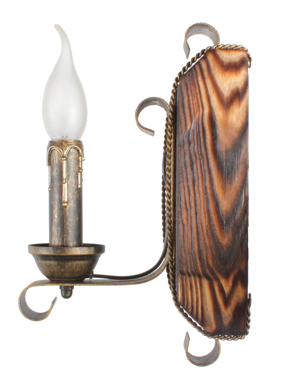 Бра деревянная для дачи на одну свечу 670321