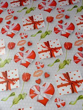 Бумага подарочная 1 метр на 70 см с рисунком сердца поцелуйчики для упаковки подарков 1 шт