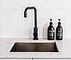 Однорычажный высокий смеситель для кухни черный гранит из нержавеющей стали AQUAMARIN Nautilus 370 ONX, фото 7