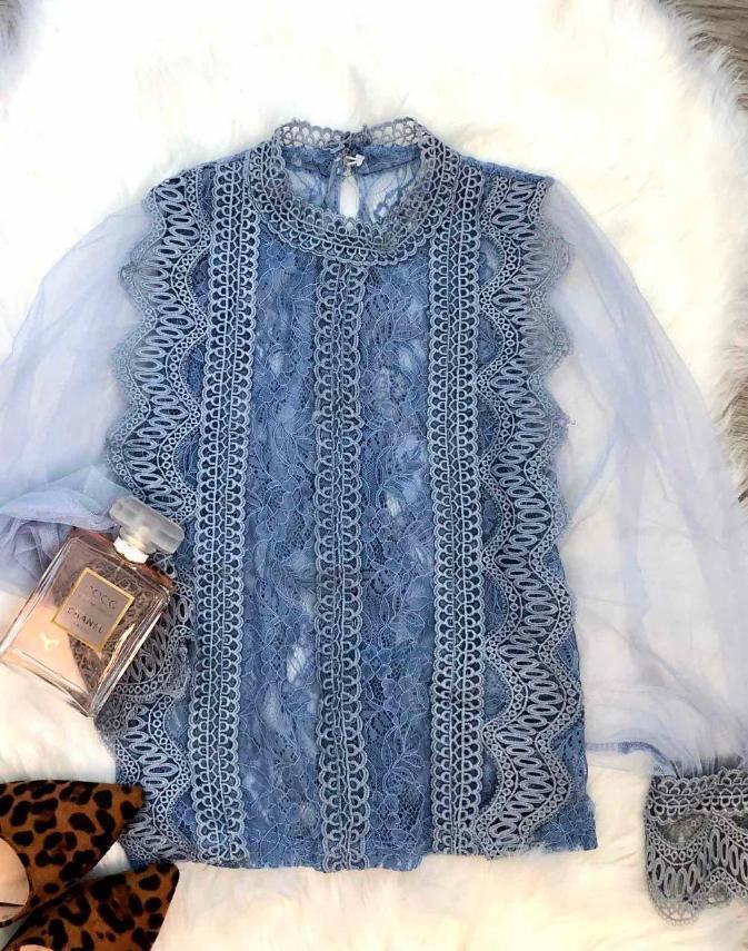 Женская блуза. Фабричный Китай. Размер:42-46. Ткань: фатин+кружево. Цвет: джинс.