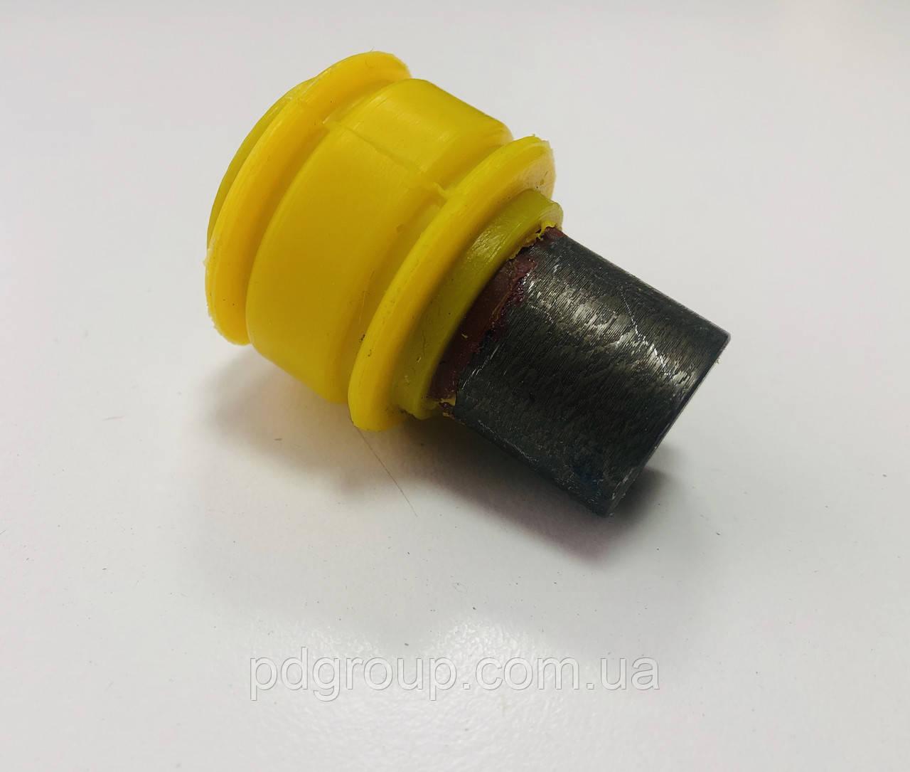Втулка сайлентблок переднего амортизатора нижняя полиуретан Renault Master 2 Рено мастер 2 ОЕ 7700310737