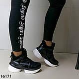 Женские кроссовки чорного кольору з білою підошвою на платформі, фото 10