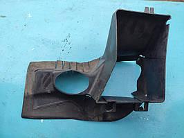 Диффузор воздухозаборник радиатора интеркулера правый ауди а4 б5 2.5 тди audi a4 b5 2.5 tdi  8d0117336C