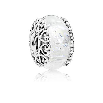 """Серебряный шарм Pandora """"Переливающееся белое стекло"""" 797617"""