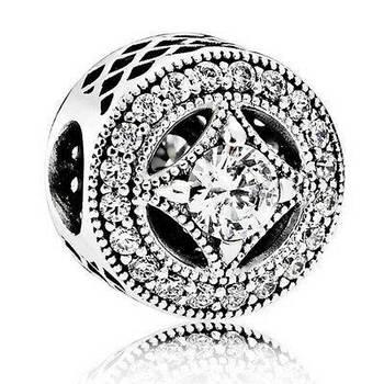 Серебряный шарм Pandora «Винтажное очарование» 791970CZ