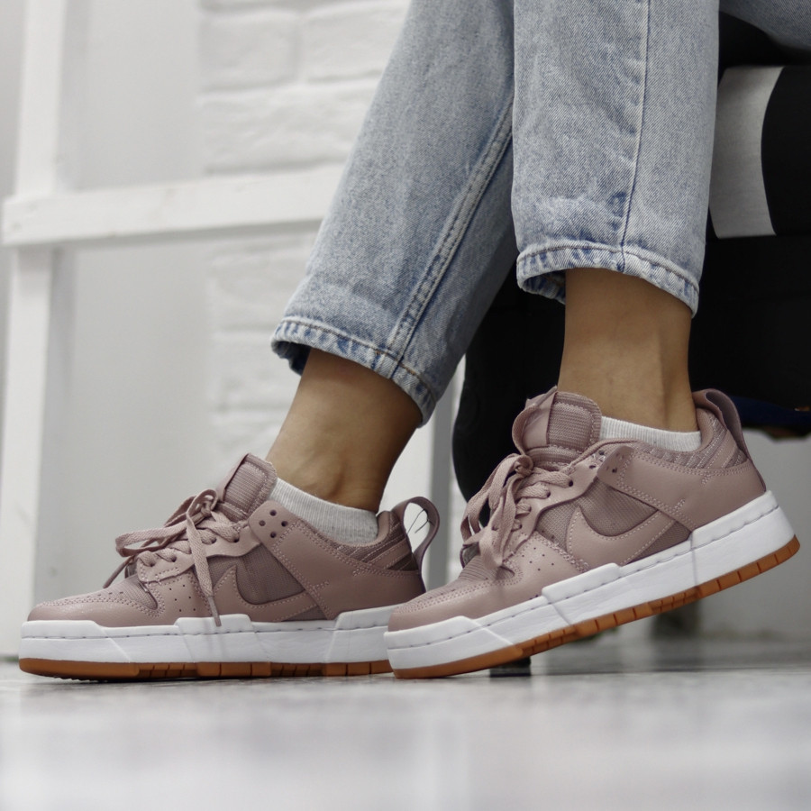 Dunk Low Disrupt Barely Rose