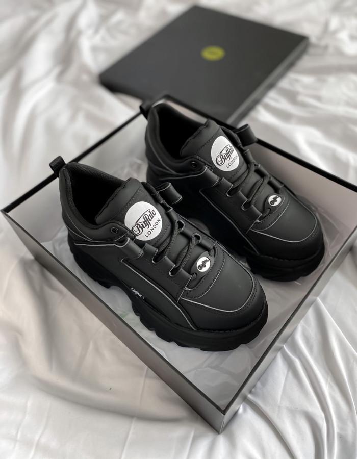 Женские кроссовки Buffalo Black